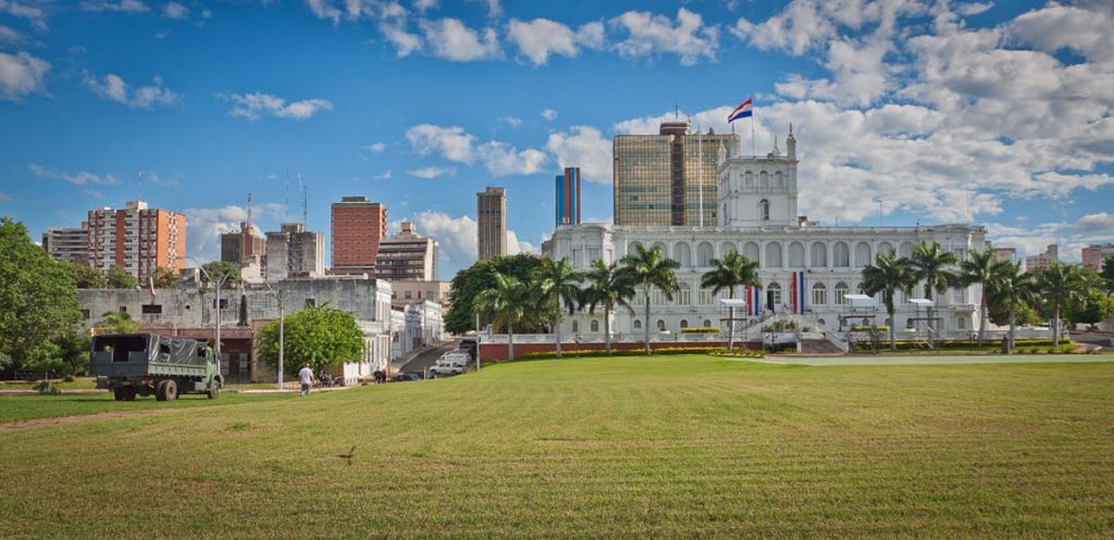 Dịch vụ chuyển phát nhanh DHL đi Paraguay giá rẻ.