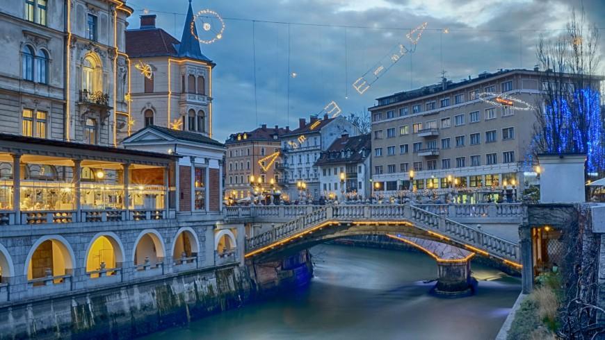 Dịch vụ chuyển phát nhanh DHL đi Slovenia giá rẻ.