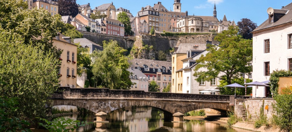 Dịch vụ chuyển phát nhanh DHL đi Luxembourg giá rẻ.